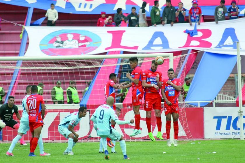 """La """"U"""" perdió ante Bolívar, en el estadio Patria."""