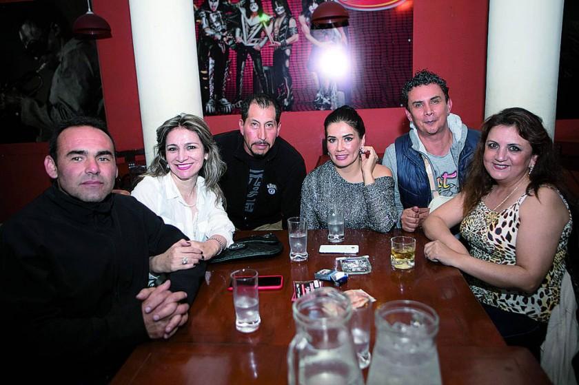 Micky Stumvoll, Patricia Sánchez, Gonzalo Roncal, Aida Loayza, René Céspedes  y Ximena Valda.