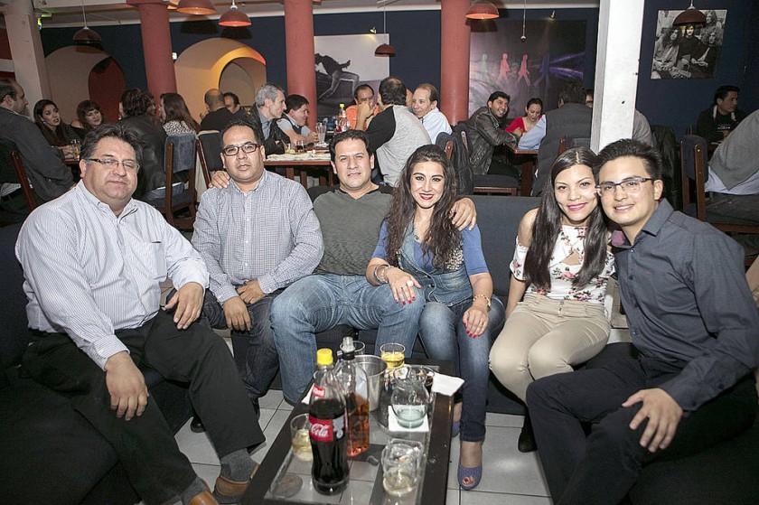 Gastón Caviedes, Borys Barrios, Yuri Oropeza, Sussy Quiroga, Leslie Rivera  y Carlos Alcázar.
