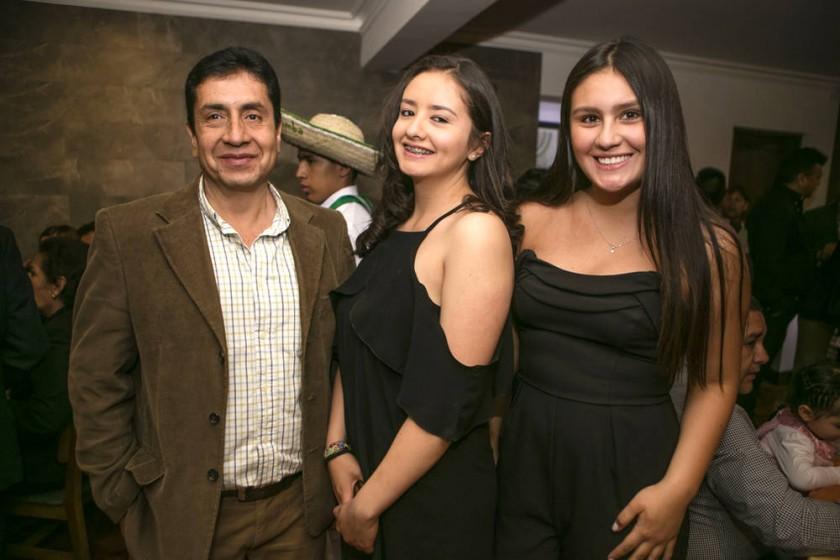 Walter Rico, Sofía Rico y Natalia Cabrera.