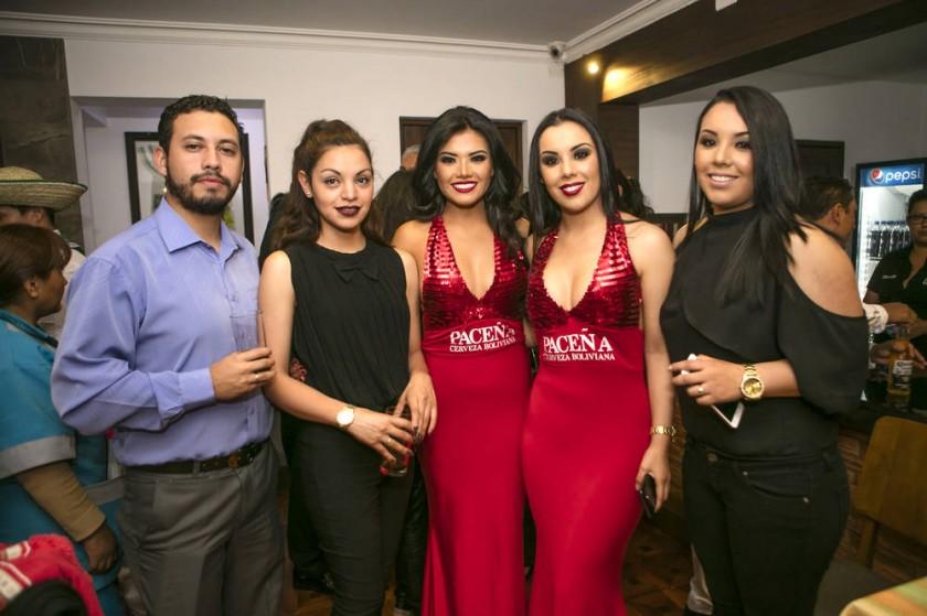 Marcelo Peñaranda, Alejandra Borja, Rosario Limón, Tati Borja y Tamara Borja.