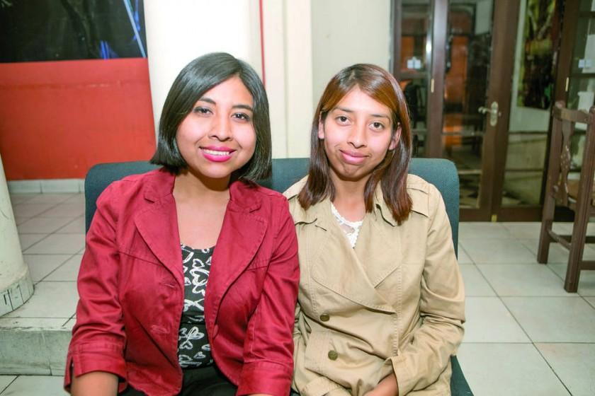 Victoria y Karina Calvimontes.