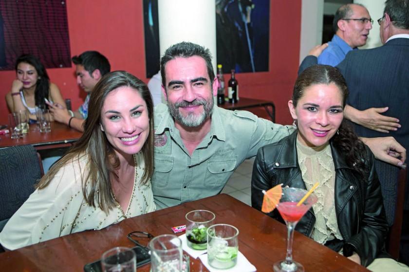 Andrea Abastoflor, Jordan Gantier y Verónica Viveros.