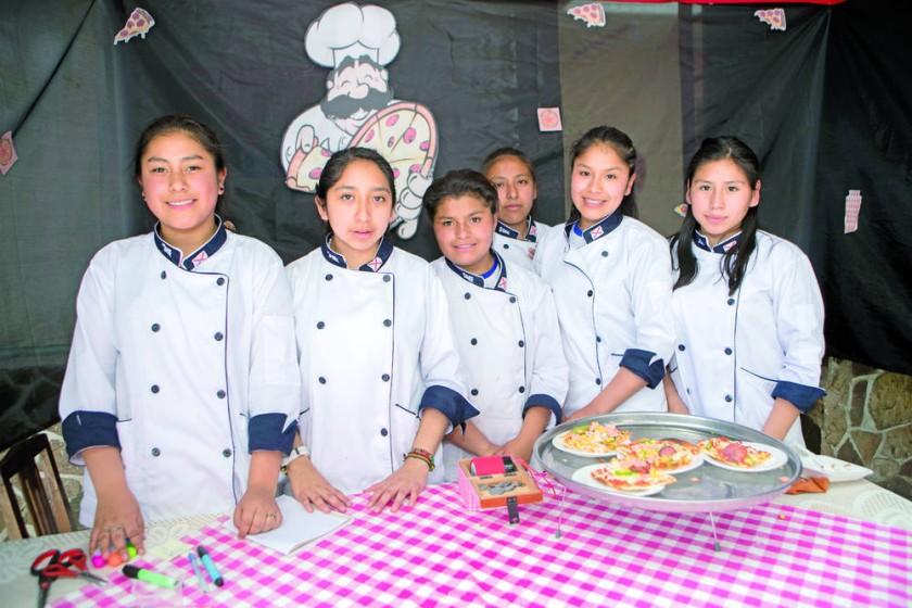 Rayza Arancibia, Wara Flores, Mayelin Ibáñez, Mayel Díaz, Lussel Ayala y Gianina Enríquez.