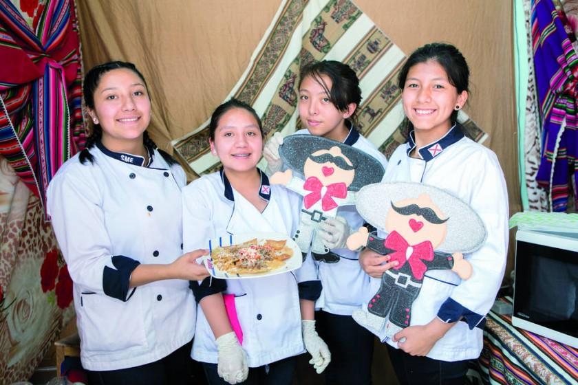 Angélica Torres, Laura Flores, Elsa Vargas y Fabiana Zurita.