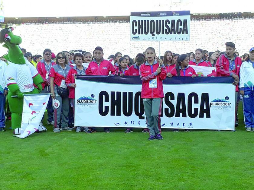 Los estudiantes de secundaria del país en la inauguración de ayer en La Paz.
