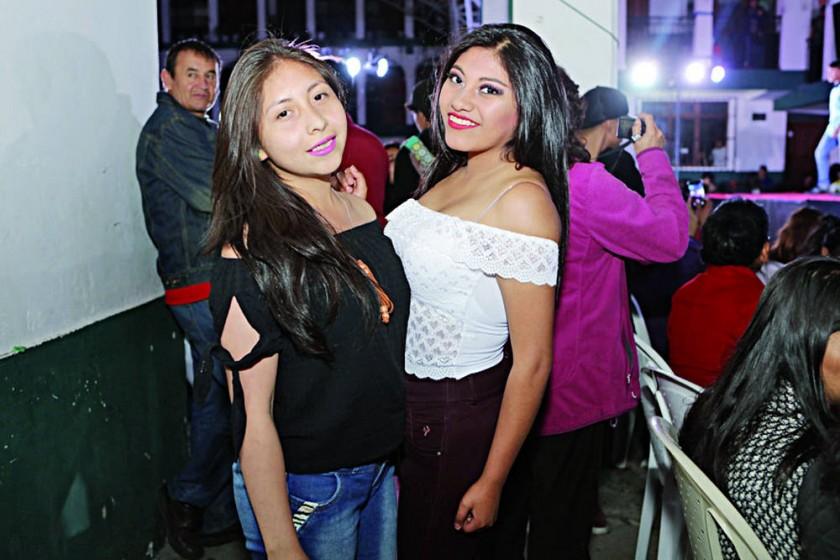 Alejandra Aguilar y Rashel Cayo.
