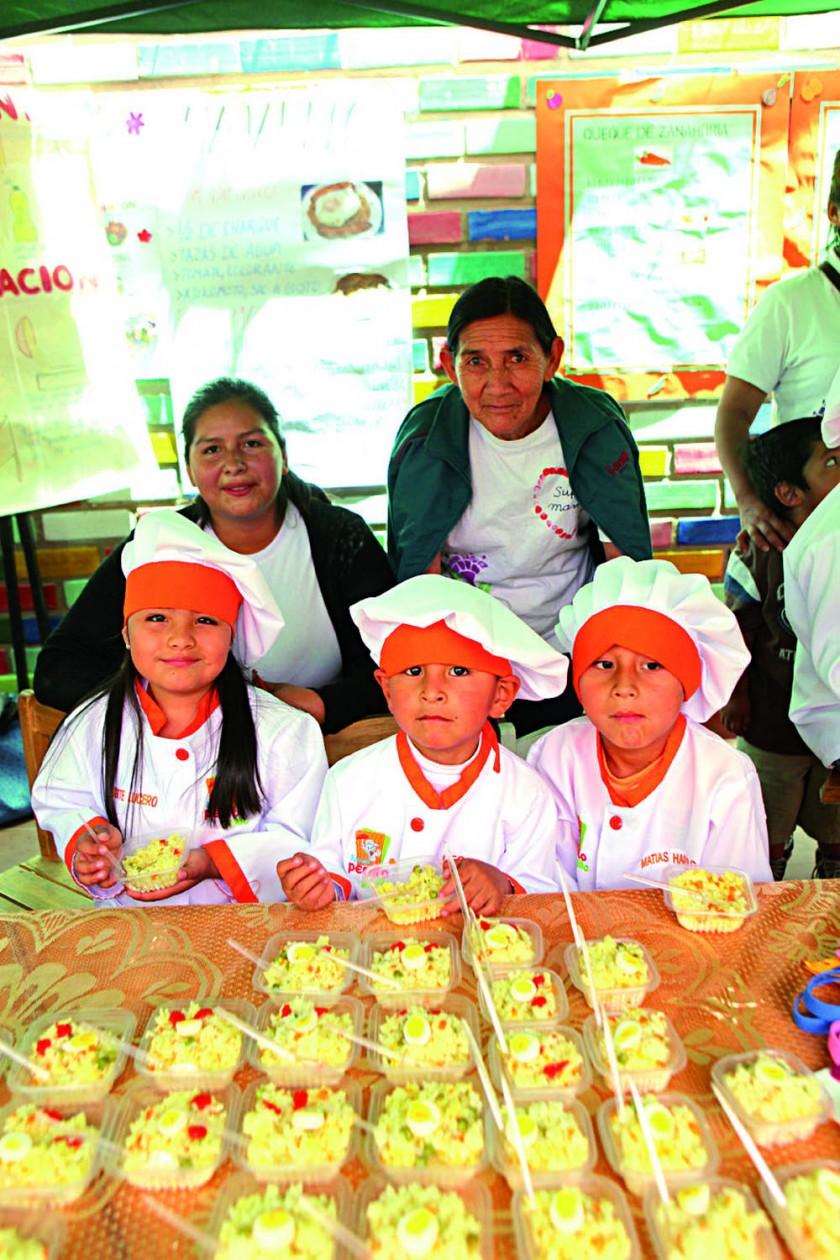 Abajo: Brigith Quiroz, Leonel Romero y Matías Luque. Arriba: Lelis Marques y Elsa Sandoval.