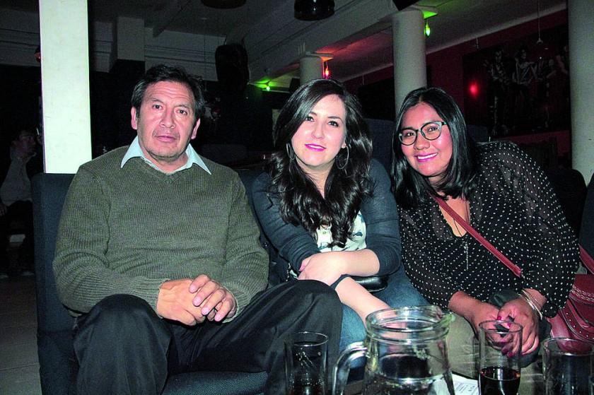 Raúl Durán, Fátima Núñez y Marlene Apaza.