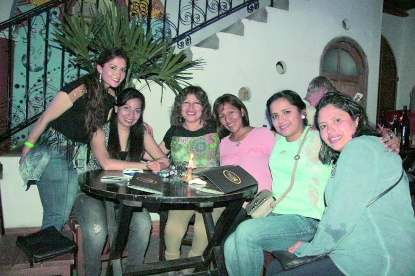 Rocío, Pamela, Laura Paola, Martha, Mariela y Valeria.