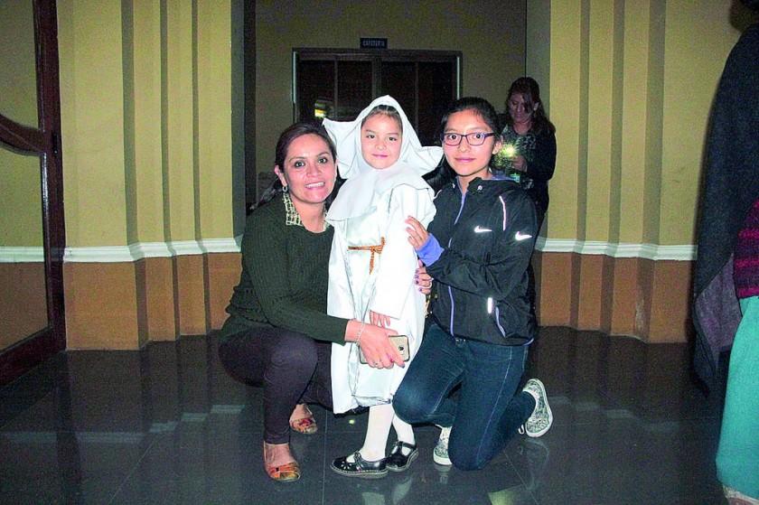 María del Carmen Romero, Mía Natalia Vargas y Adriana Peñaranda.