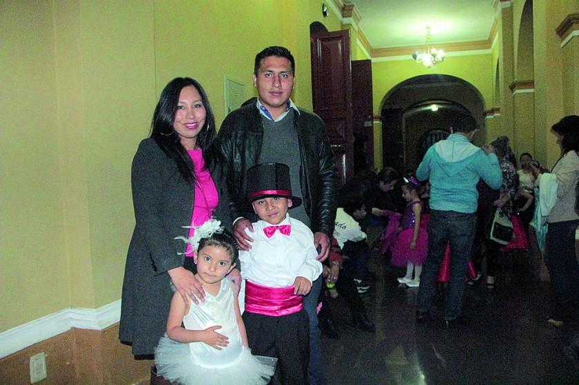 Sariel Salazar, Alison Bustamante, Adib Salazar y José Luis Alfaro Salazar.