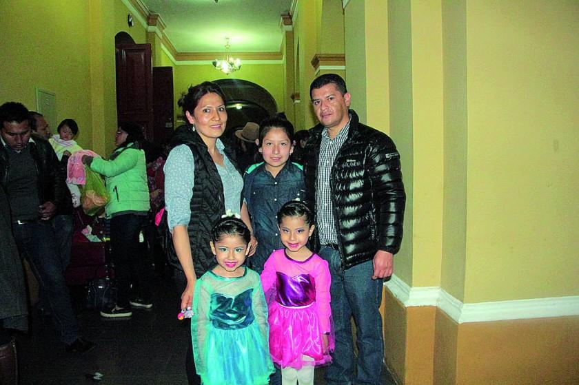 Virginia Gutiérrez, Fabiana Ruiz, Adriana Ruiz, Laura Ruiz y Gonzalo Ruiz
