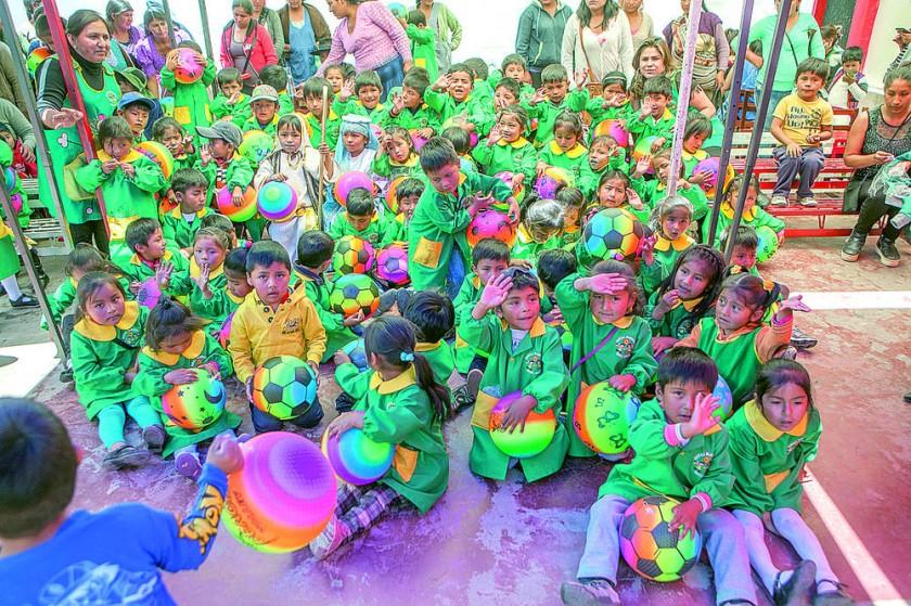 Kinder Sumaj Rijchariy.