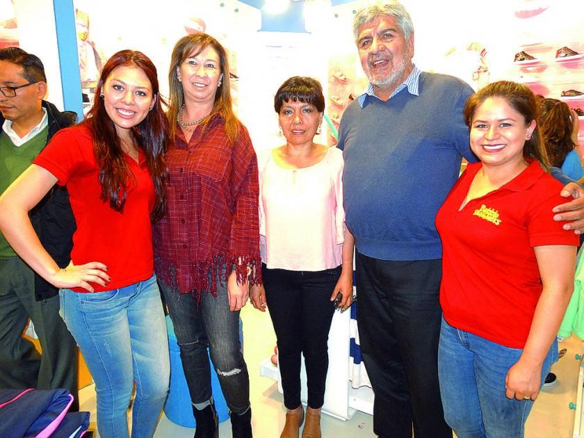 Silvana Ayala, Patricia Vlahovic, Eva Adautt, Jorge Dorado y Daniela Rocabado.