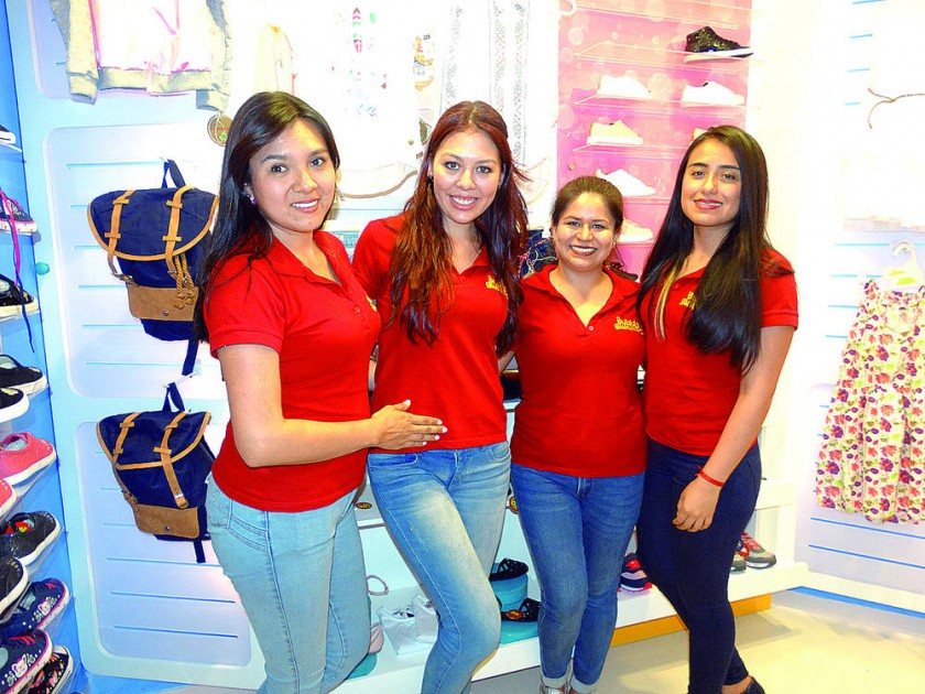 Marioly Gonzales, Silvana Ayala, Daniela Rocabado  y Paola Mérida.
