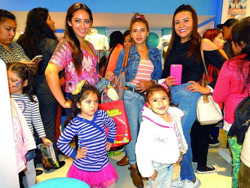 Natalia Muñoz, Valentina Bazoberry, Gabriela Melcón,  Abril Valentina Maldonado y Erika Flores.