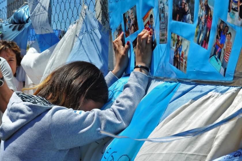 Argentina se sume en desesperanza por submarino