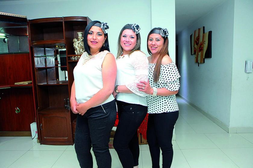 Karen Curcuy, Giovanna Higueras y Patricia Fuentes.