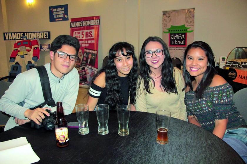 Javier Tavera, Alejandra Cuenca, Laura Sainz y Flor Ayala.