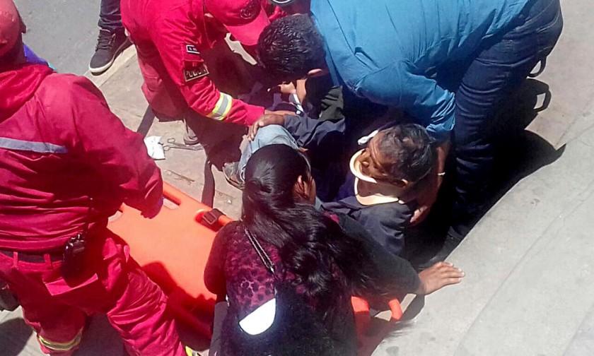 accidente. Una persona de la tercera edad fue atropellada ayer en la avenida Jaime Mendoza.