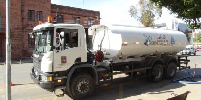 CARENCIA. La crisis del agua afecto a más de 80 barrios de Sucre la semana pasada.