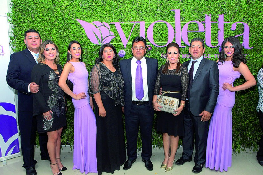 Luis Alberto Montaño, Karen Cabrera, Ángela Álvarez, Rita Paredes, Richard Moscoso, Kathyuska Cueto, Carlos Carrasco...
