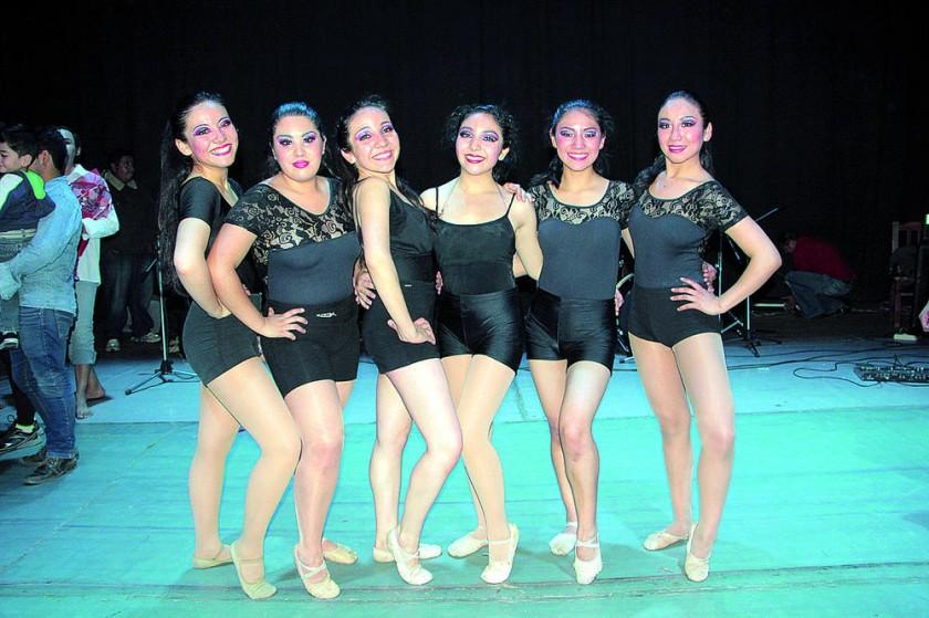 Carolina Urioste, Jana Alarcón, Alejandra Urioste, Juliana Urioste, Carla Quiroga y Daniela Torres.