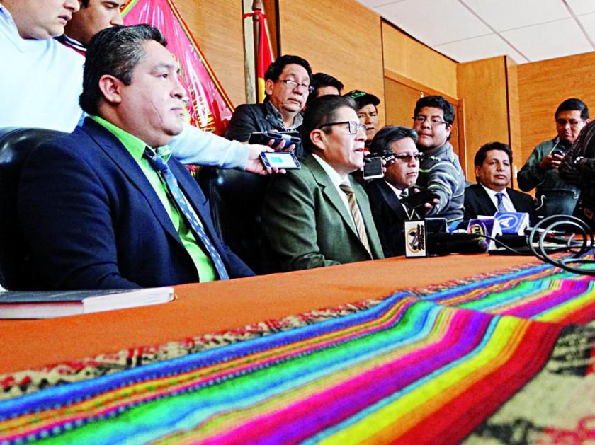 POLÉMICOS. Los magistrados que fallaron a favor de la reelección indefinida.