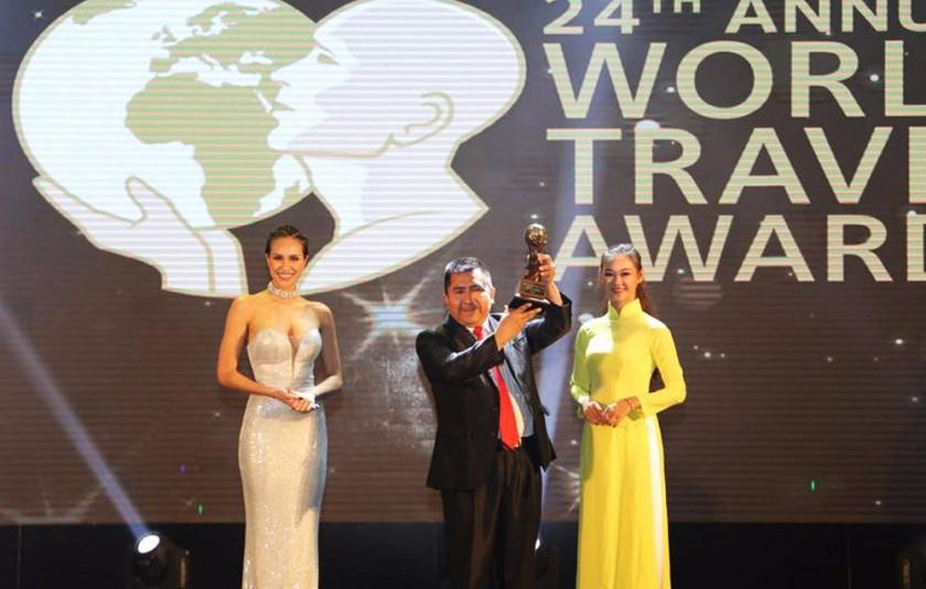 GALARDÓN. En la gala final del evento que premió a varios países del mundo por su cultura y turismo.
