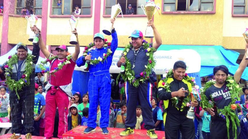 Los podios de cuatro de las cinco categorías corridas en Zudáñez.