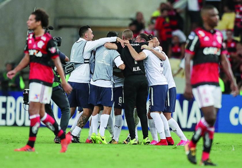 Los jugadores de Independiente celebran el empate frente a Flamengo, que sirvió para que se quedaran con el título...