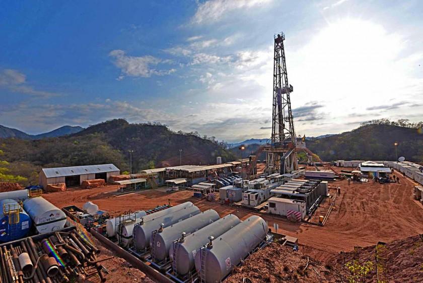 EXPLORACIÓN. La estatal petrolera, juntos a sus subsidiarias, pretende potenciar esta etapa de la cadena...