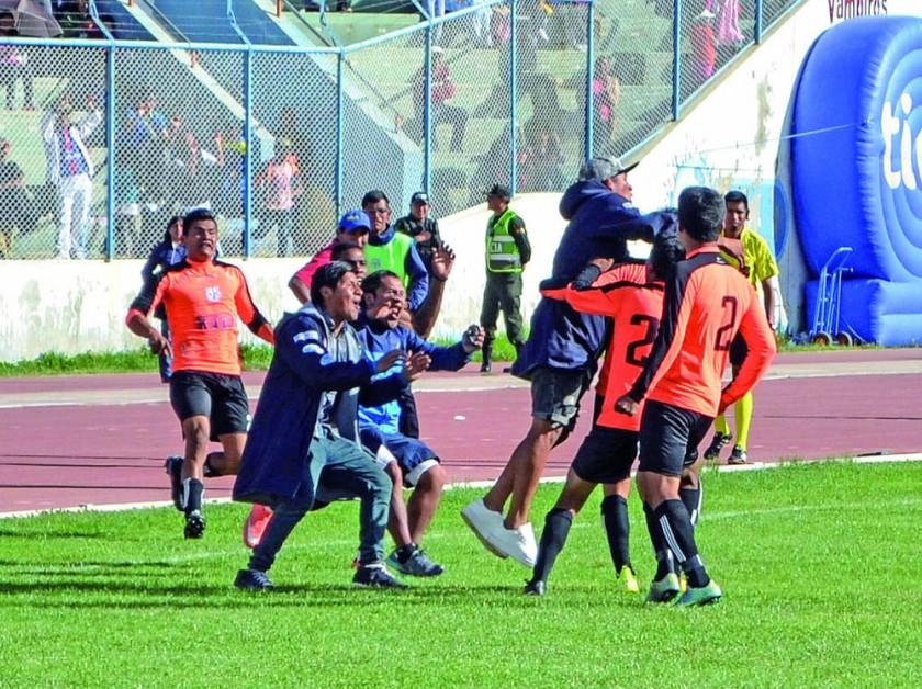 El festejo del gol del empate para Kala