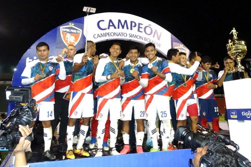 La celebración de los jugadores de Royal Pari. Foto: CORREO DEL SUR