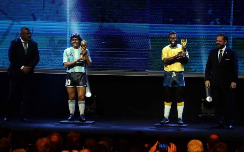 Pelé y Diego Maradona, inmortalizados en Asunción