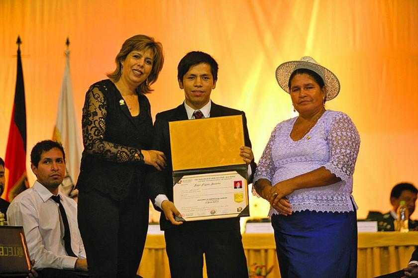 Carmen Barrero, Sergio Nogales y Leonilda Zurita.