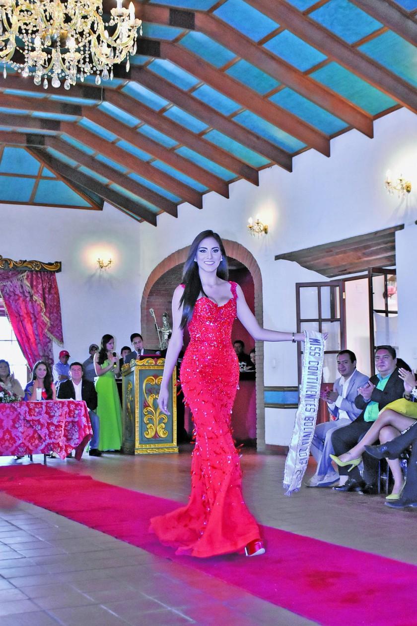 Mineyra Flores Miss Continentes Unidos Bolivia 2017.