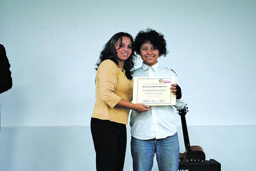 Premio en el Área de Artes.