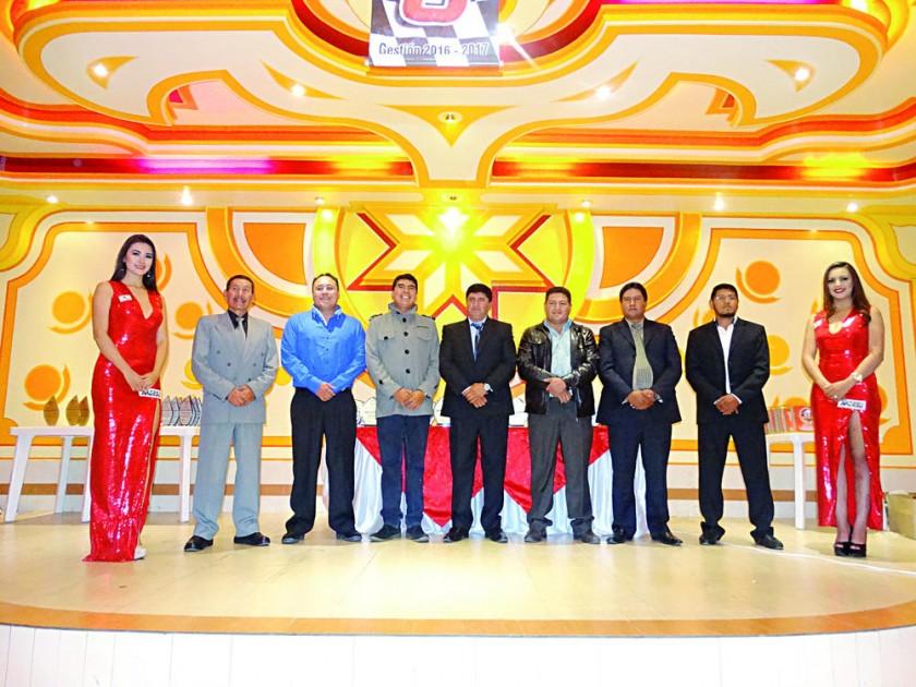 La Asociación de Automovilismo Deportivo Sucre galardonó ayer a los campeones de la temporada 2017.