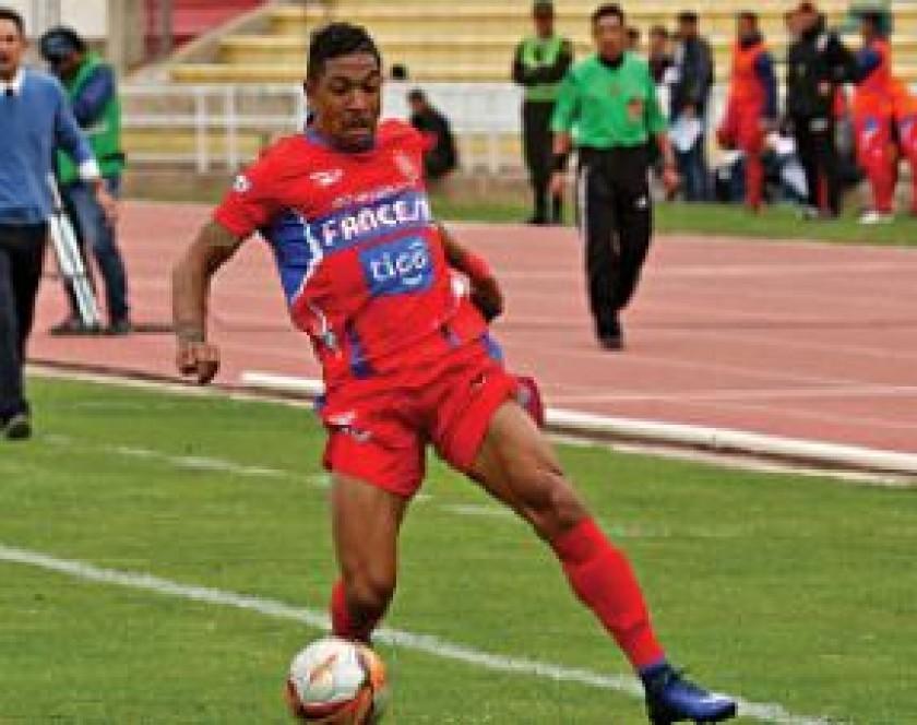 Oscar Sanz pretende potenciar el equipo y espera que Colombo y Tinga permanezcan en el club.