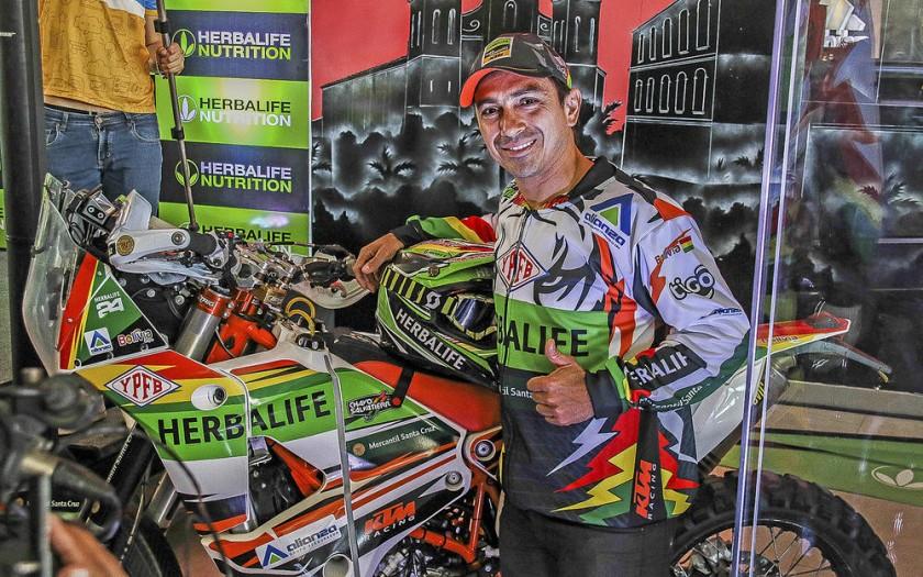 Juan Carlos Salvatierra es uno de los pilotos más destacados de Bolivia.