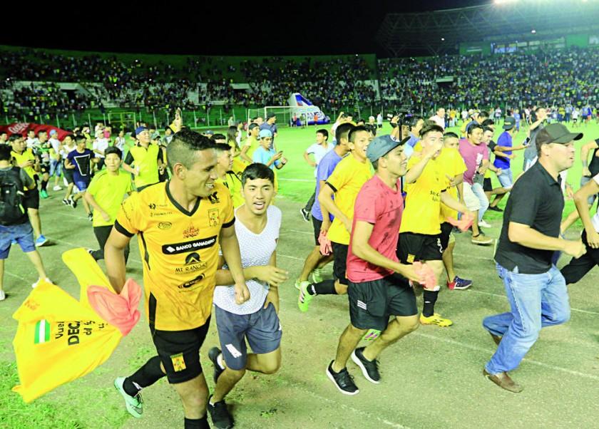 Destroyers igualó con Petrolero y por su victoria en la ida, subió a la máxima categoría del fútbol boliviano.