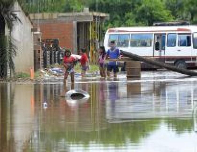 Lluvias también enlutan a La Paz y en Santa Cruz sigue el recuento