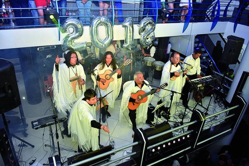 Grupo Horizontes finaliza el show de la primera madrugada del 2018