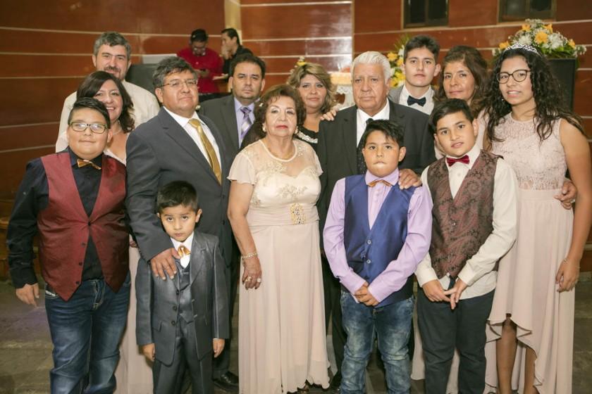 La familia, hijos, hijas y nietas.