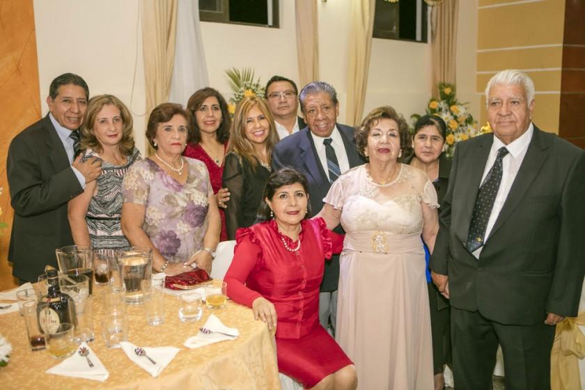 Familia de Betty Aguilar de Poveda.