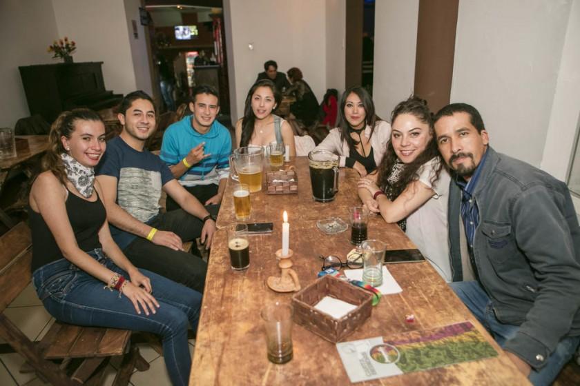Inés, Daniel, Luís, Jenny, Samara, Ximena y Francisco.