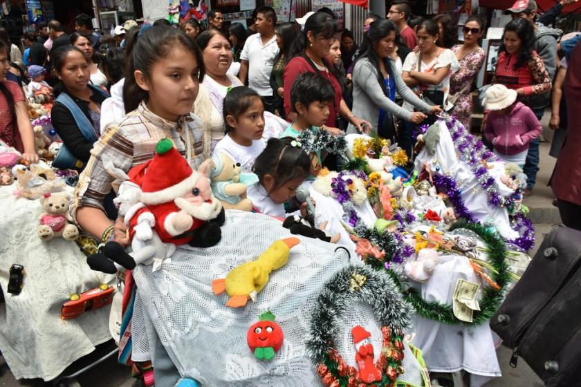 Niños de las caseritas del mercado Central.