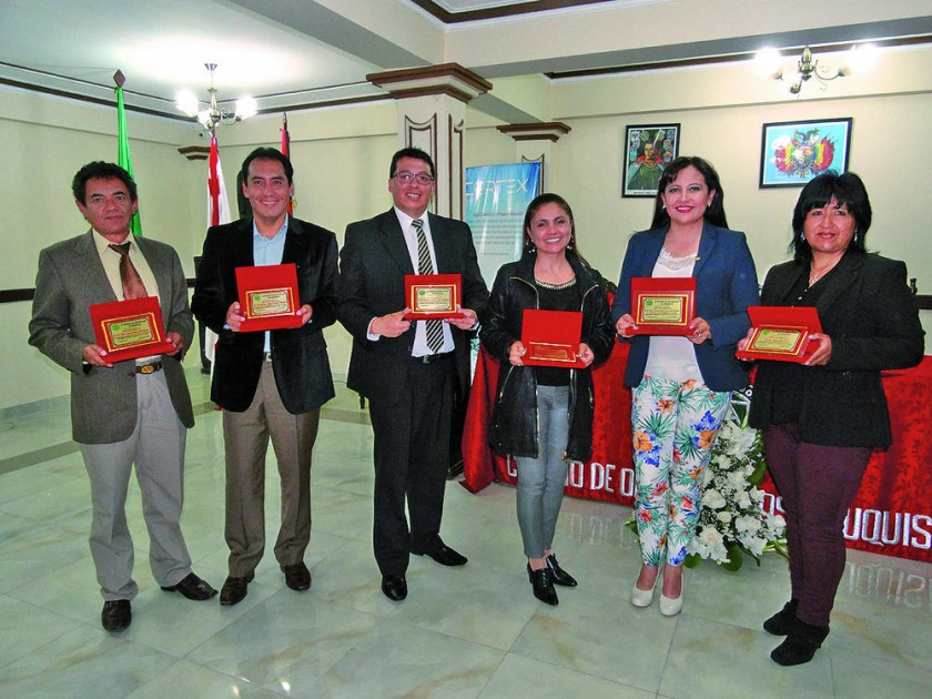 Omar Lucuy, Álvaro Bravo, Milton Marquiegui, Claudia Gardeazabal, Fabiola Cruz y Jahel Flores.